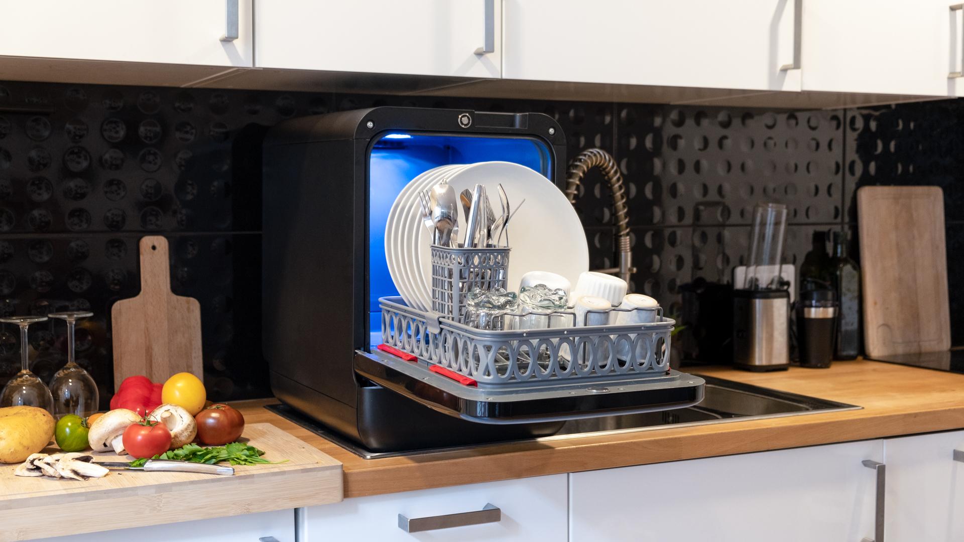 Bob mini dishwasher - Daan Tech